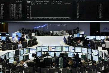 الأسهم الأوروبية تتراجع صباحًا مع تعثر اتفاق أزمة الديون الأمريكية