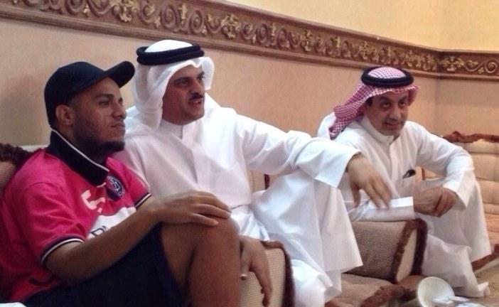 رجل الأعمال أ.محمد حماد العرادي البلوي والشاعر حمد السعيد يزورا الشاعر سيف السهلي في منزله