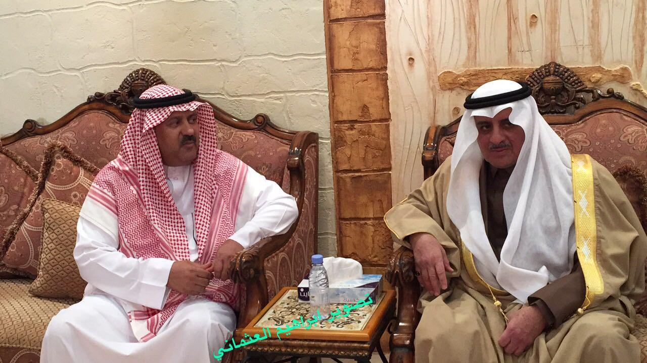 أمير تبوك يعزي الشيخ محمد عوض العقلا البلوي واخوانه بوفاه شقيقهم