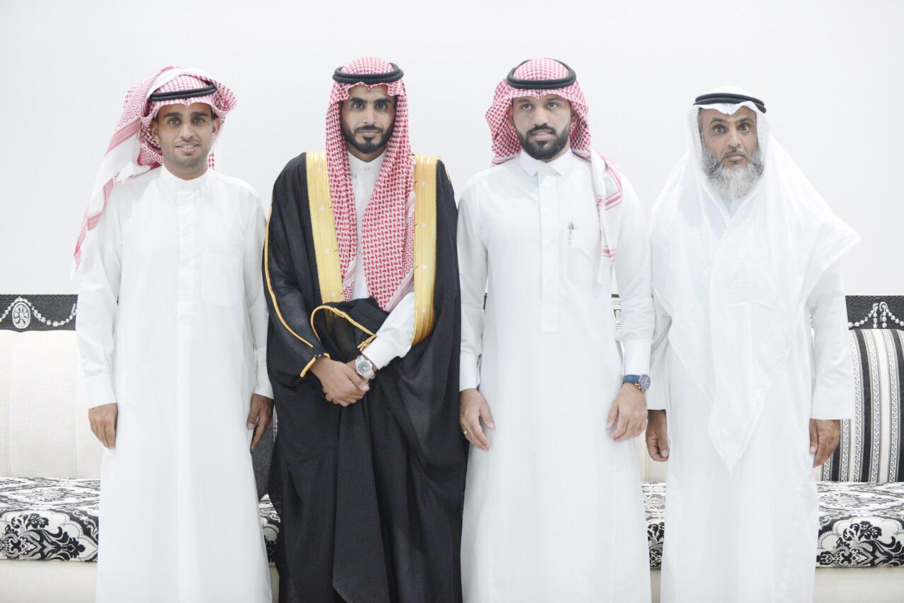 الشاب / عبدالرحمن زايد البلوي يحتفل بزواجه 1305132f 4ba4 4e74 8c02 fa1ba459d019