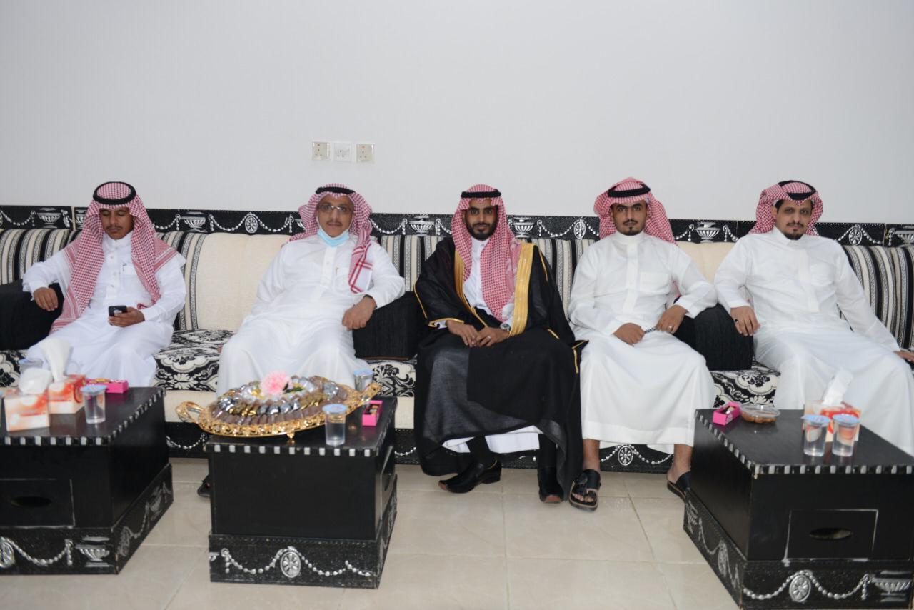 الشاب / عبدالرحمن زايد البلوي يحتفل بزواجه c1280a14 fb7a 4257 a447 426da80e3ad4