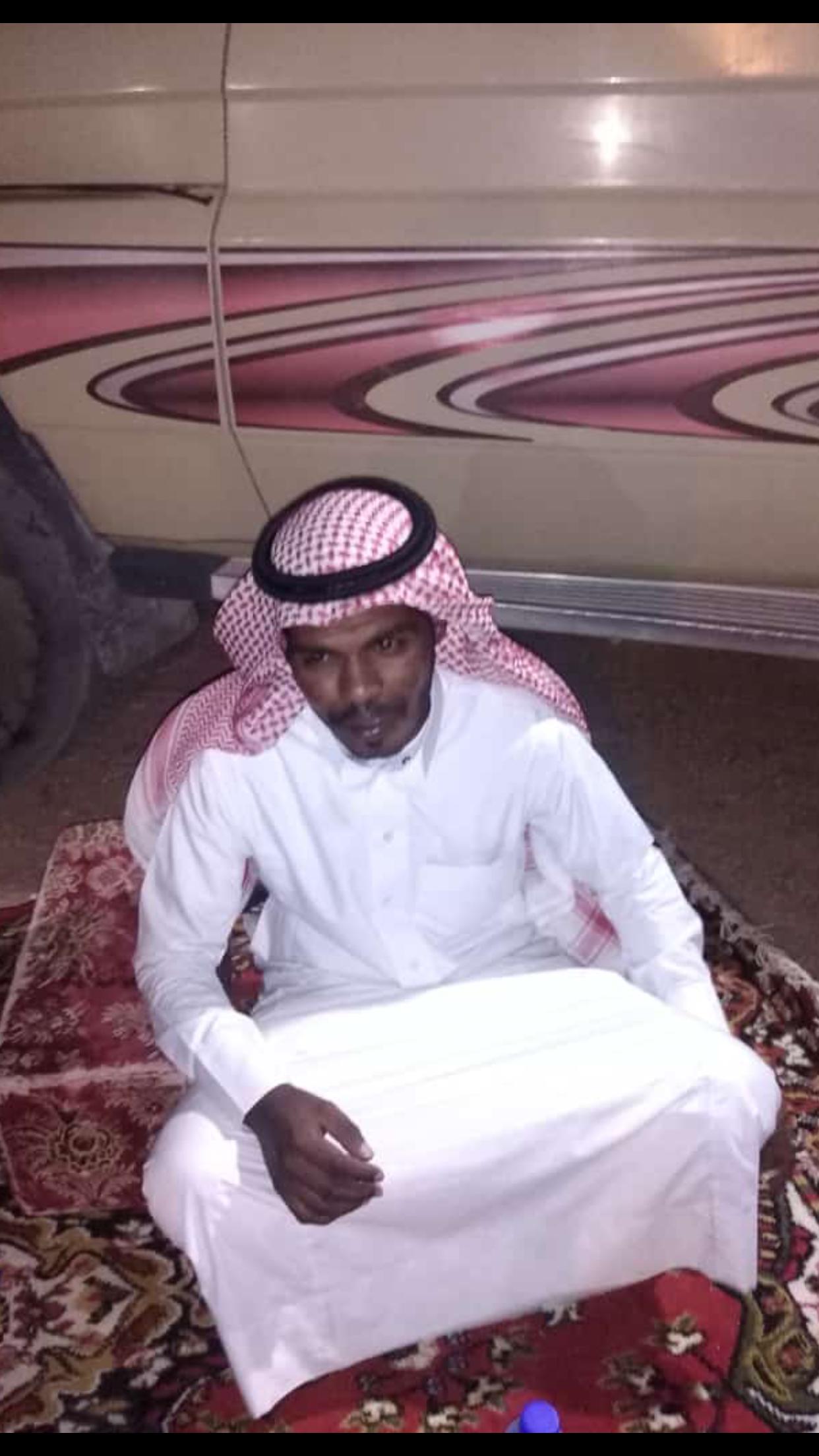 الشاب / حمدان فرج الجحم البلوي يحتفل بزواجه 0DC27375 B0AE 40A8 8949 03E3309489B9