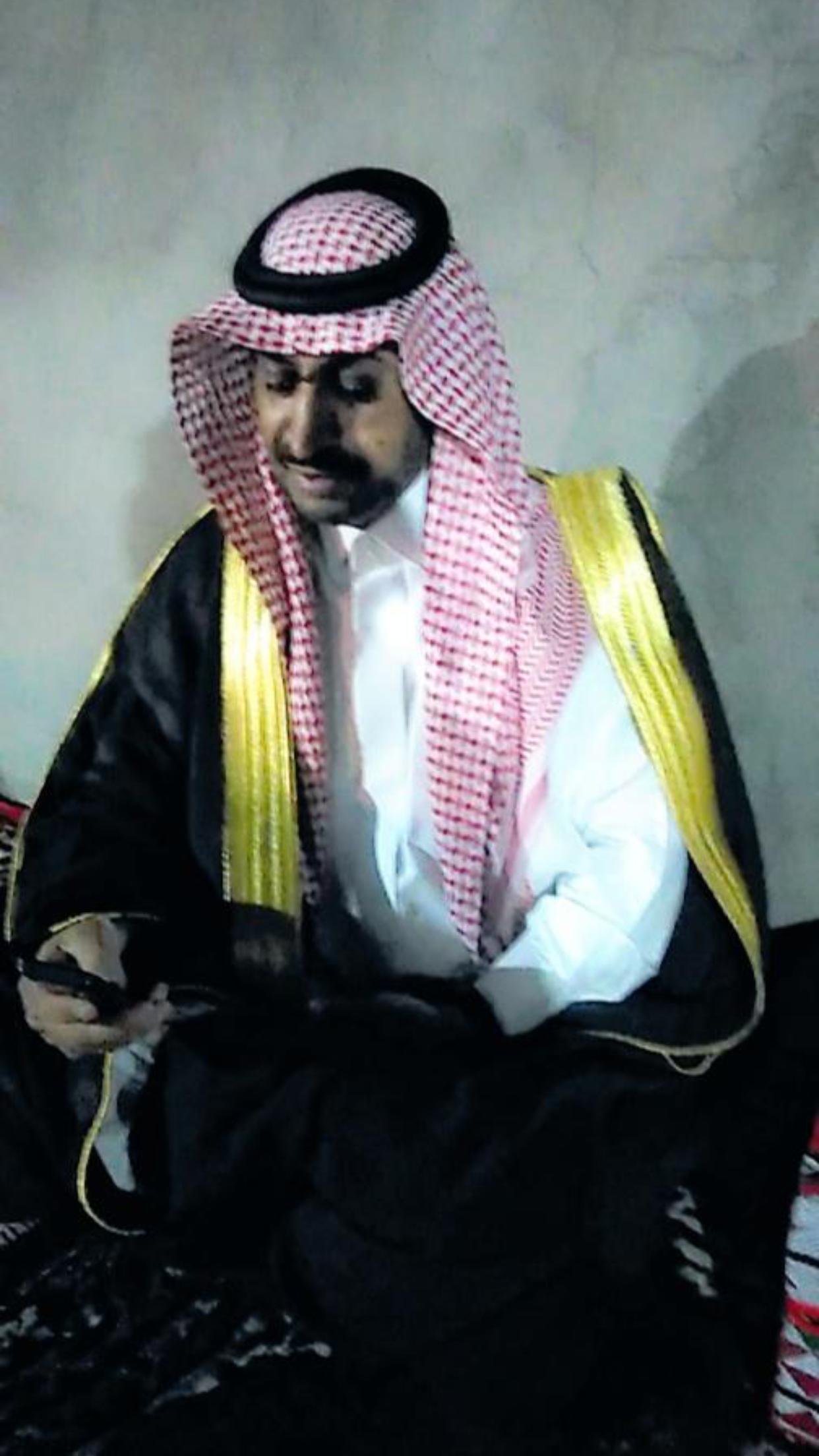 الشاب / حمدان فرج الجحم البلوي يحتفل بزواجه B2799ED5 E1FF 4EA4 913B 90D2C5EADD86