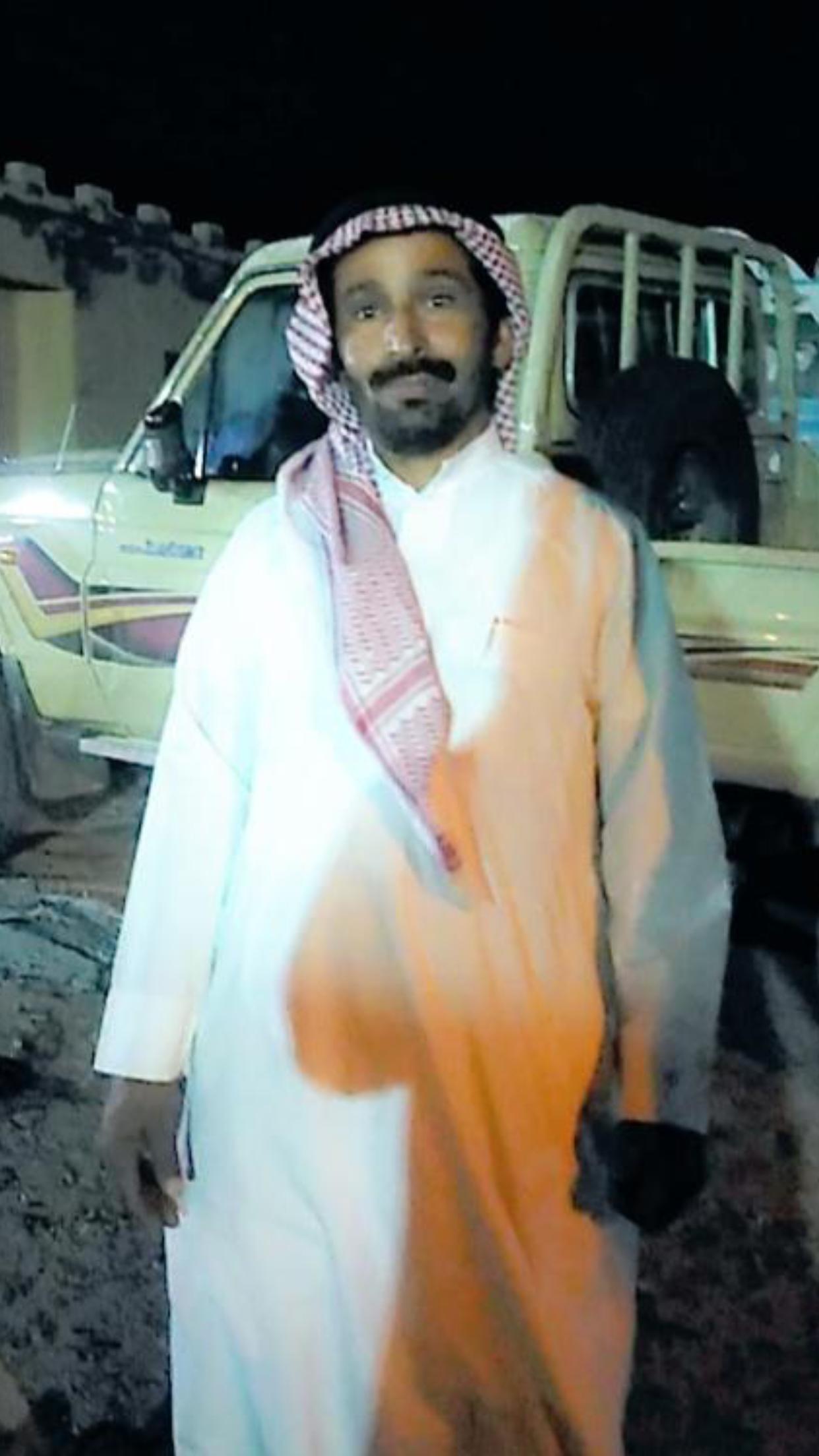 الشاب / حمدان فرج الجحم البلوي يحتفل بزواجه C762FA4B 59C2 446D B93B 82194E849804