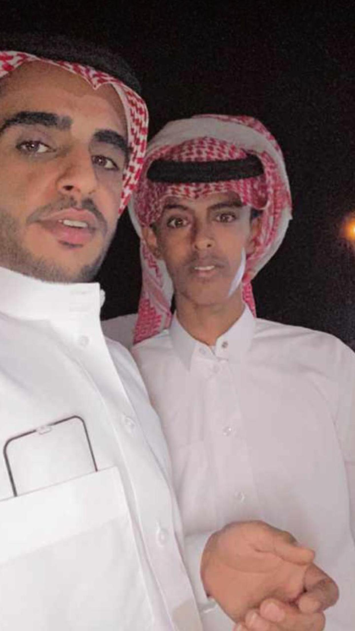 الشاب / حمدان فرج الجحم البلوي يحتفل بزواجه E4302915 934E 474A B63F 9E1E0193FF5C